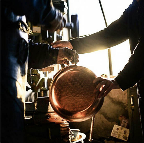 hand_riveting_copper_cookware_italy