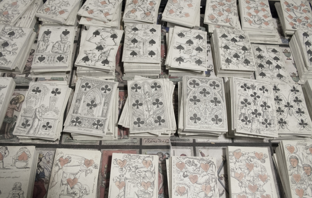 Milan: the magic shop of handmade tarot cards – Italian Stories Blog